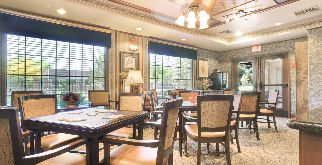 Senior dining room at Tuscany at McCormick Ranch in Scottsdale, Arizona