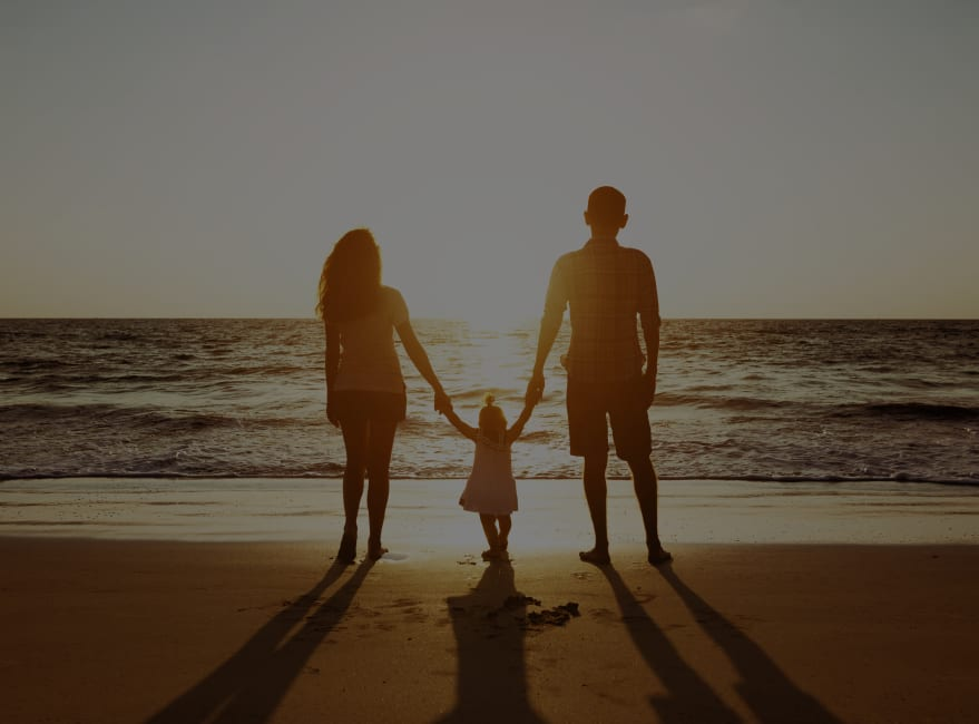 Family at Mukileo Beach  near Carvel Harbour Pointe in Mukilteo, Washington