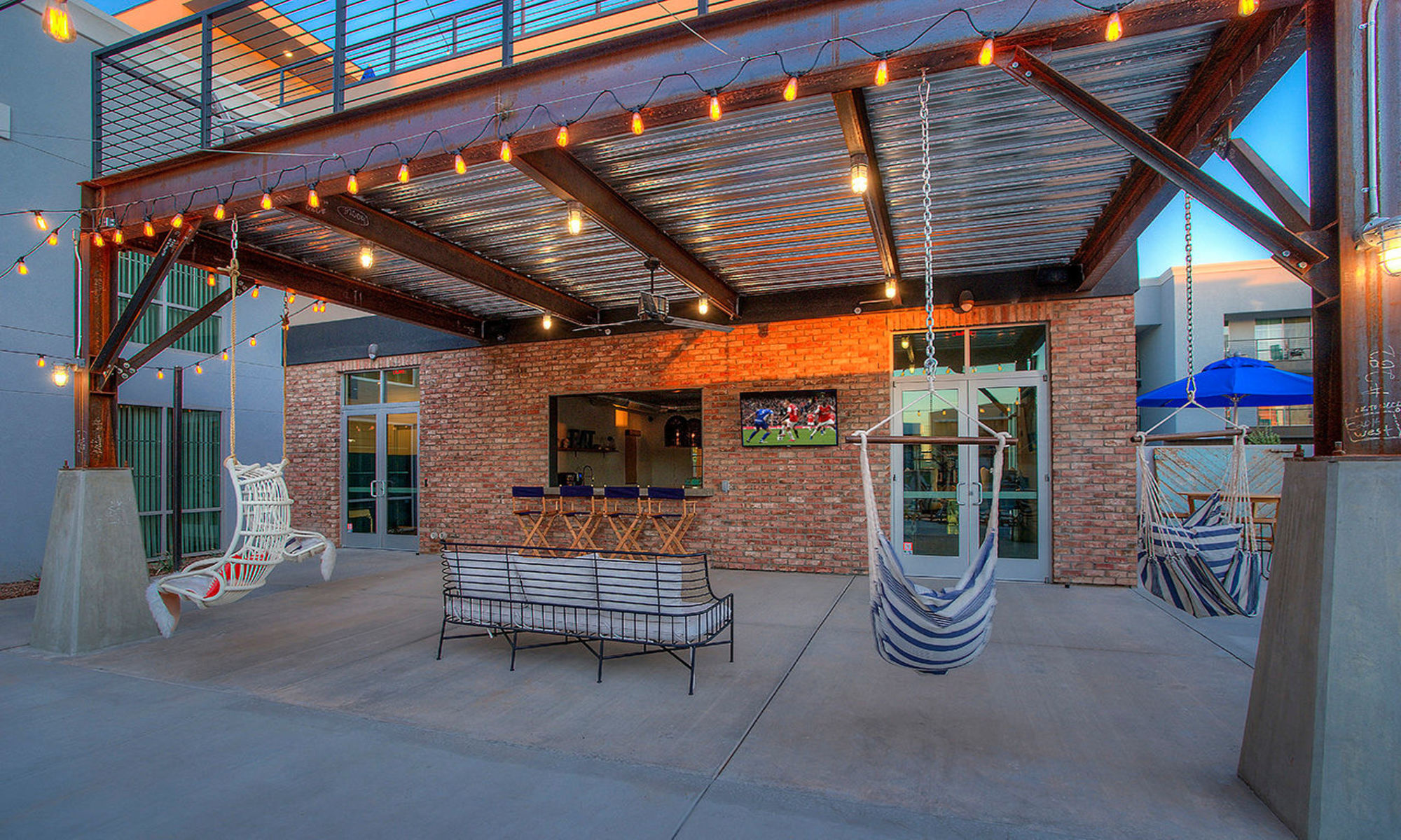 Apartments in Gilbert, Arizona, at District Lofts