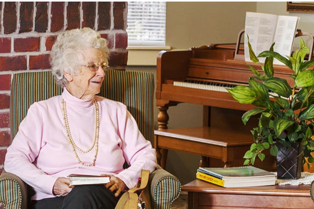 Reading facilities at Canoe Brook Assisted Living & Memory Care