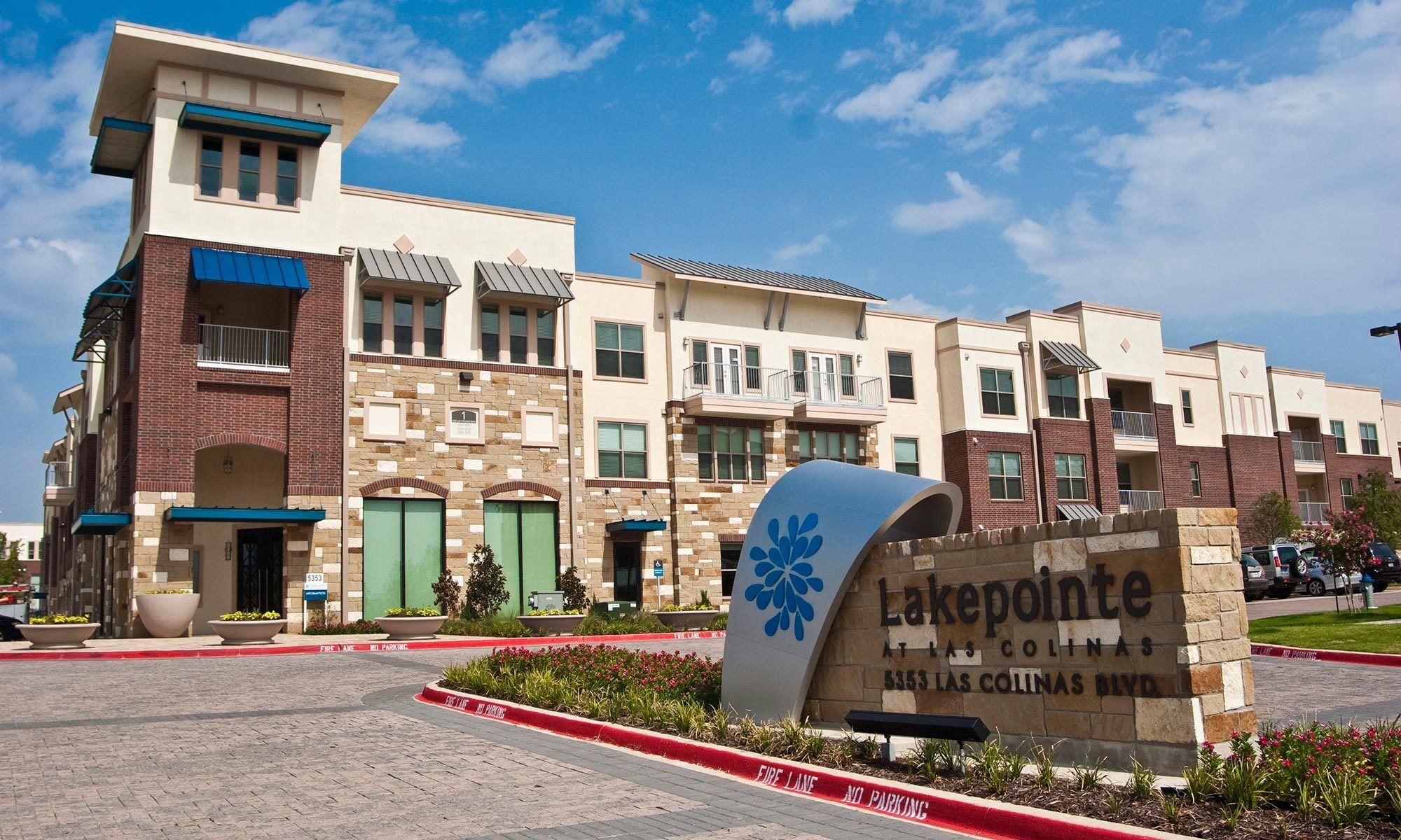 Apartments in Irving TX Lakepointe at Las Colinas