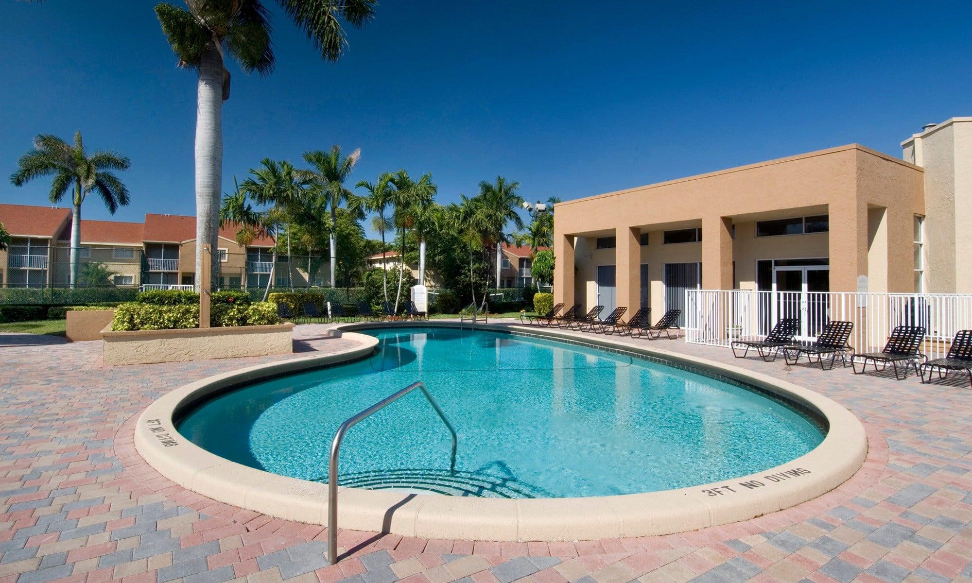 Azalea Village off-campus housing, West Palm Beach, FL ...