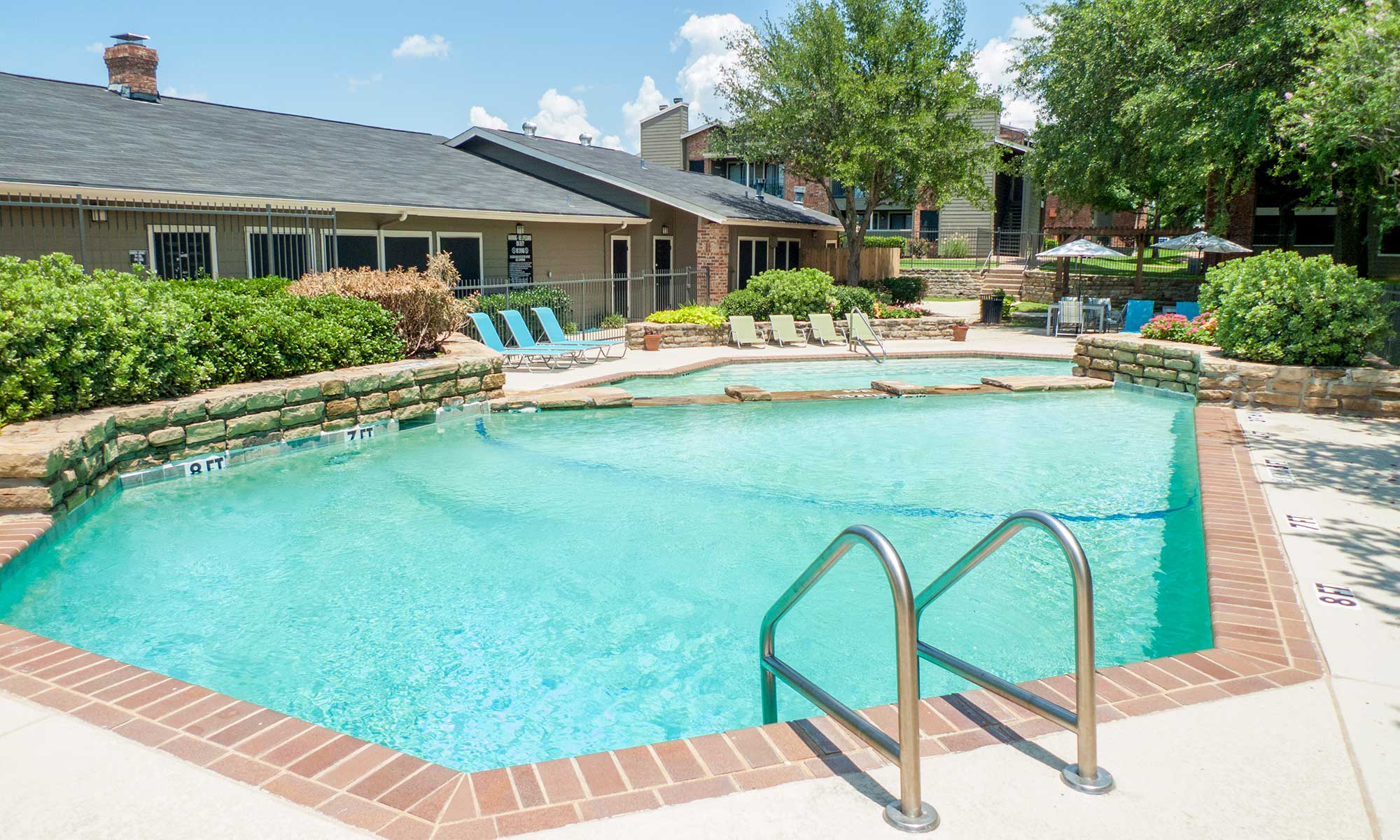 DFW Irving TX Apartments Promenade at Valley Creek
