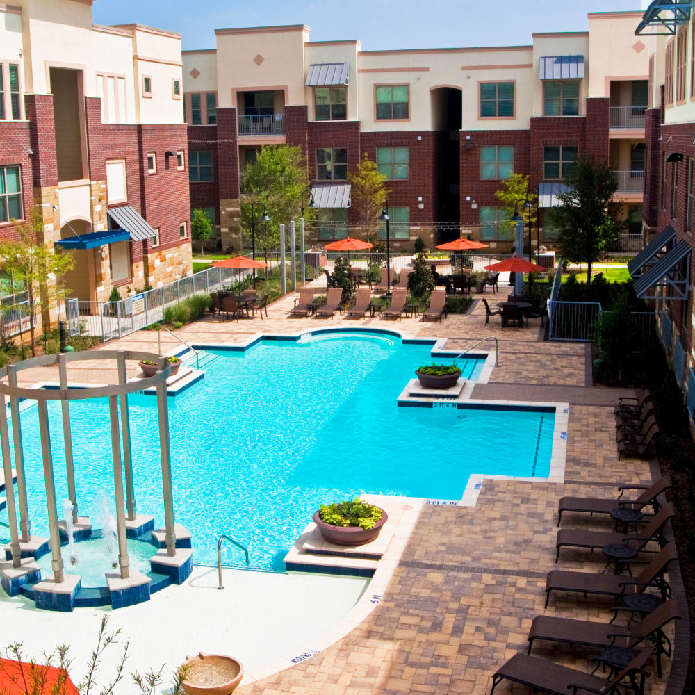 Beautiful resort style pool at The Blvd in Irving, Texas