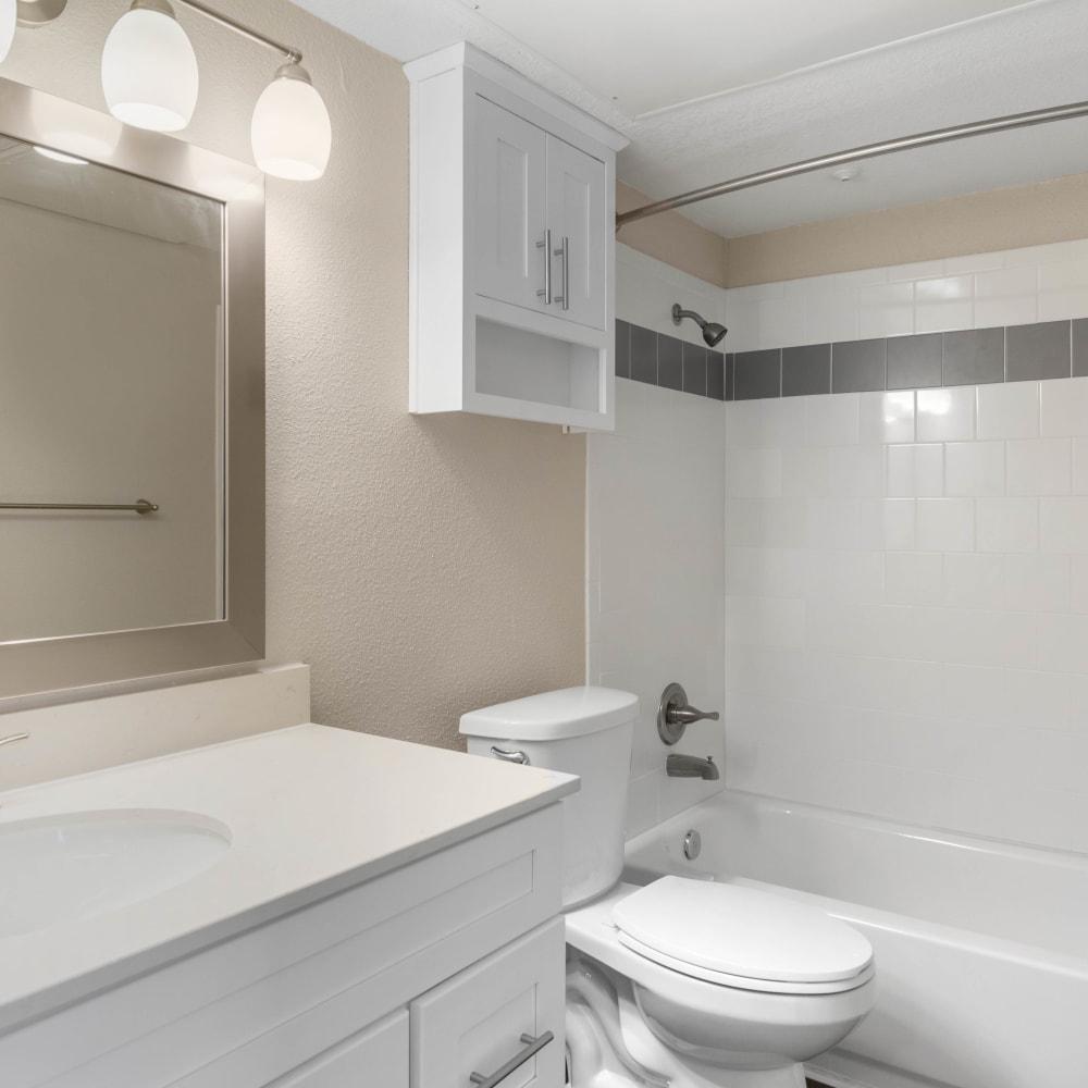 An apartment bathroom at Lodge @ 1550 in Katy, Texas