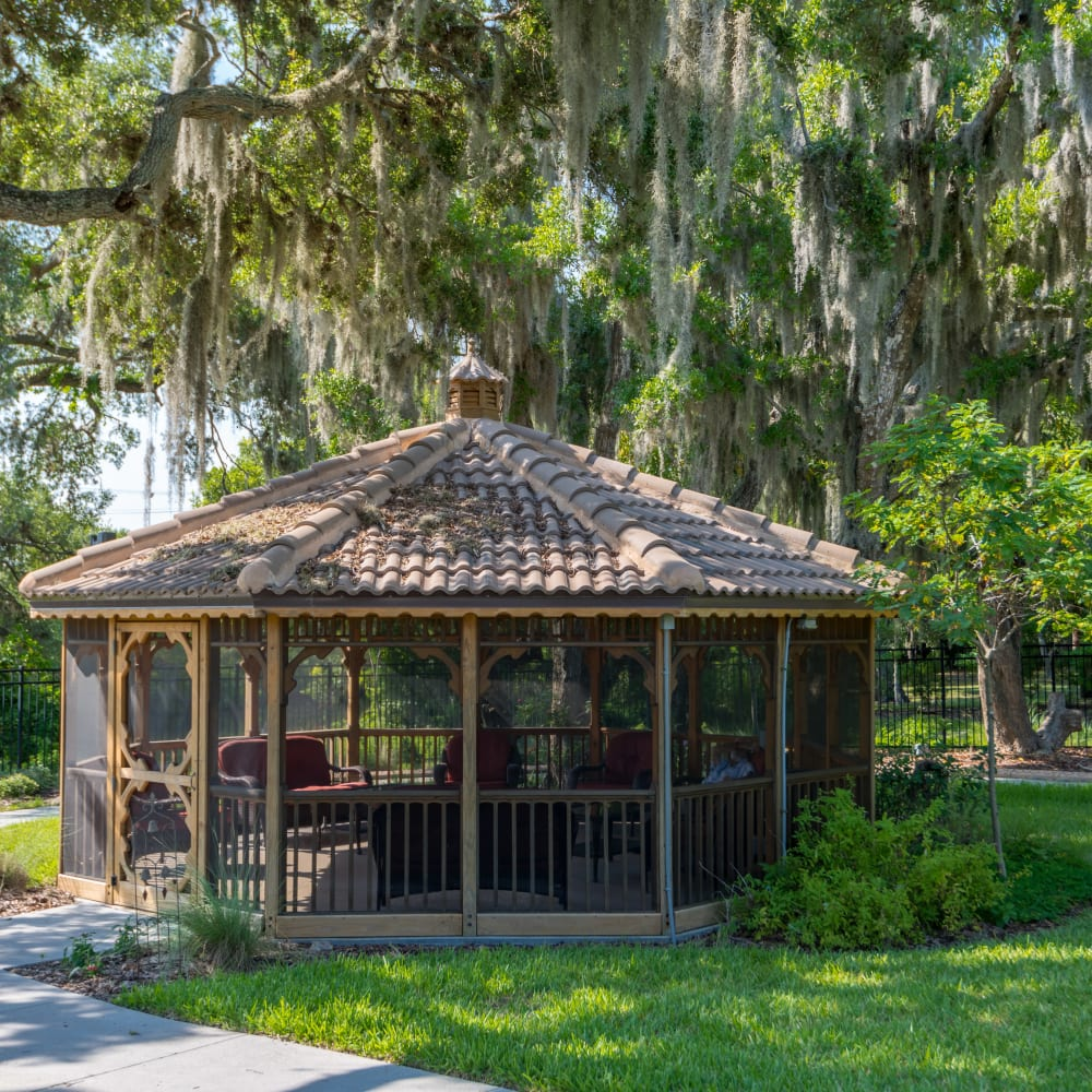 shaded gazebo at Inspired Living Lakewood Ranch in Bradenton, Florida