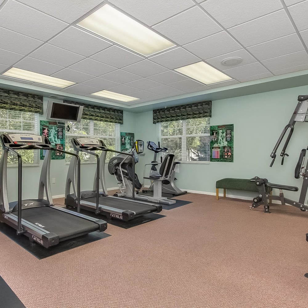 Fitness center at Applewood Pointe of Bloomington in Bloomington, Minnesota.