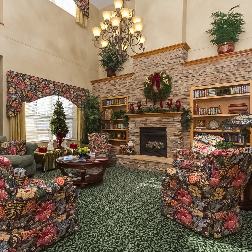 Fireside parlor at Applewood Pointe Woodbury in Woodbury, Minnesota.