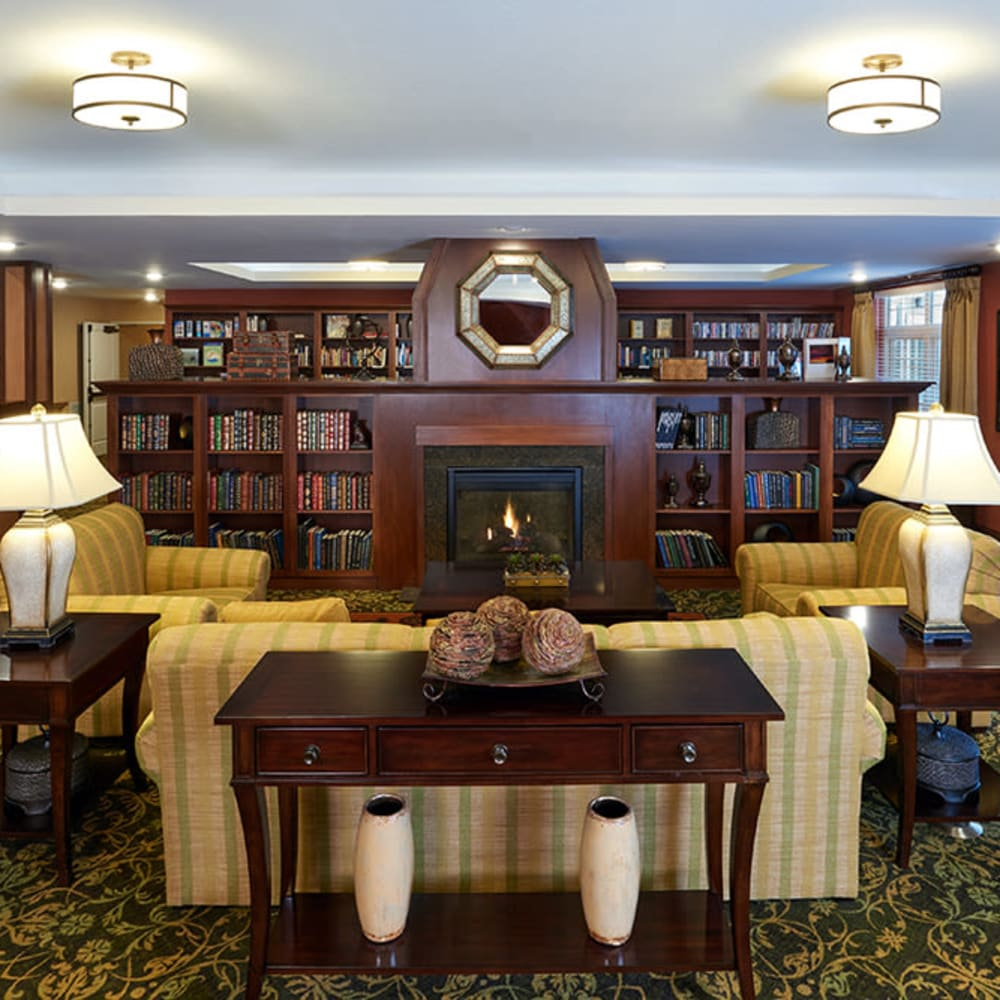 Fireside parlor at Applewood Pointe of Shoreview in Shoreview, Minnesota.