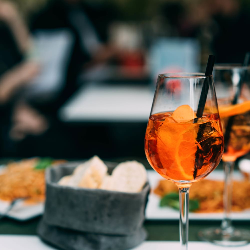 Dine and sip near Ellington Midtown in Atlanta, Georgia