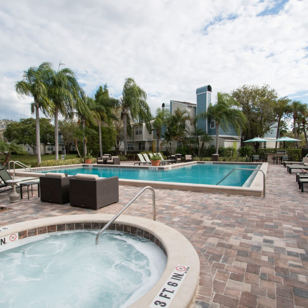 A hot tub and pool at Fairways at Feather Sound in Clearwater, FL