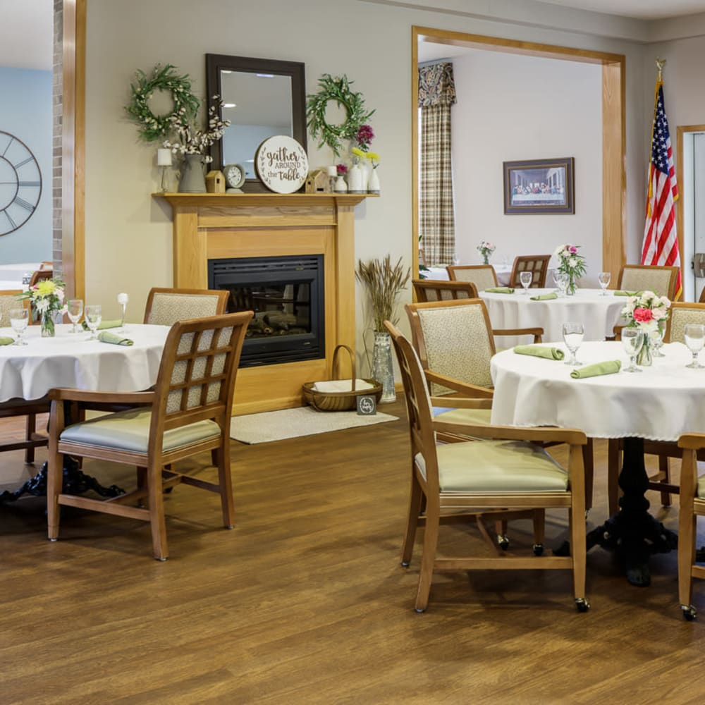 Dining area at Glenwood Place in Marshalltown, Iowa.