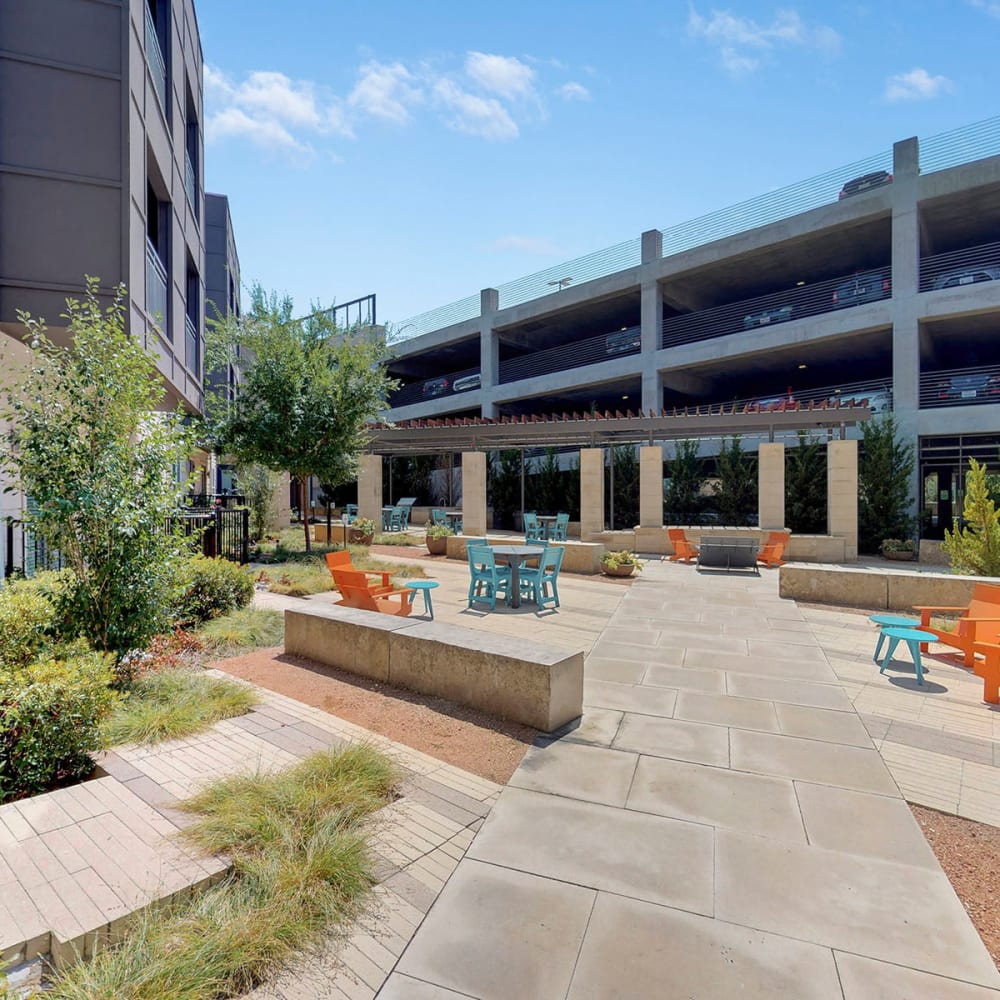 Exterior courtyard on a beautiful day at Oaks 5th Street Crossing City Center in Garland, Texas