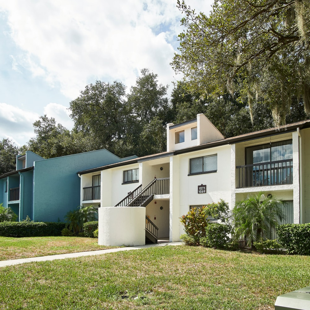 A beautiful contemporary exterior at Westwood @60 in Brandon, Florida