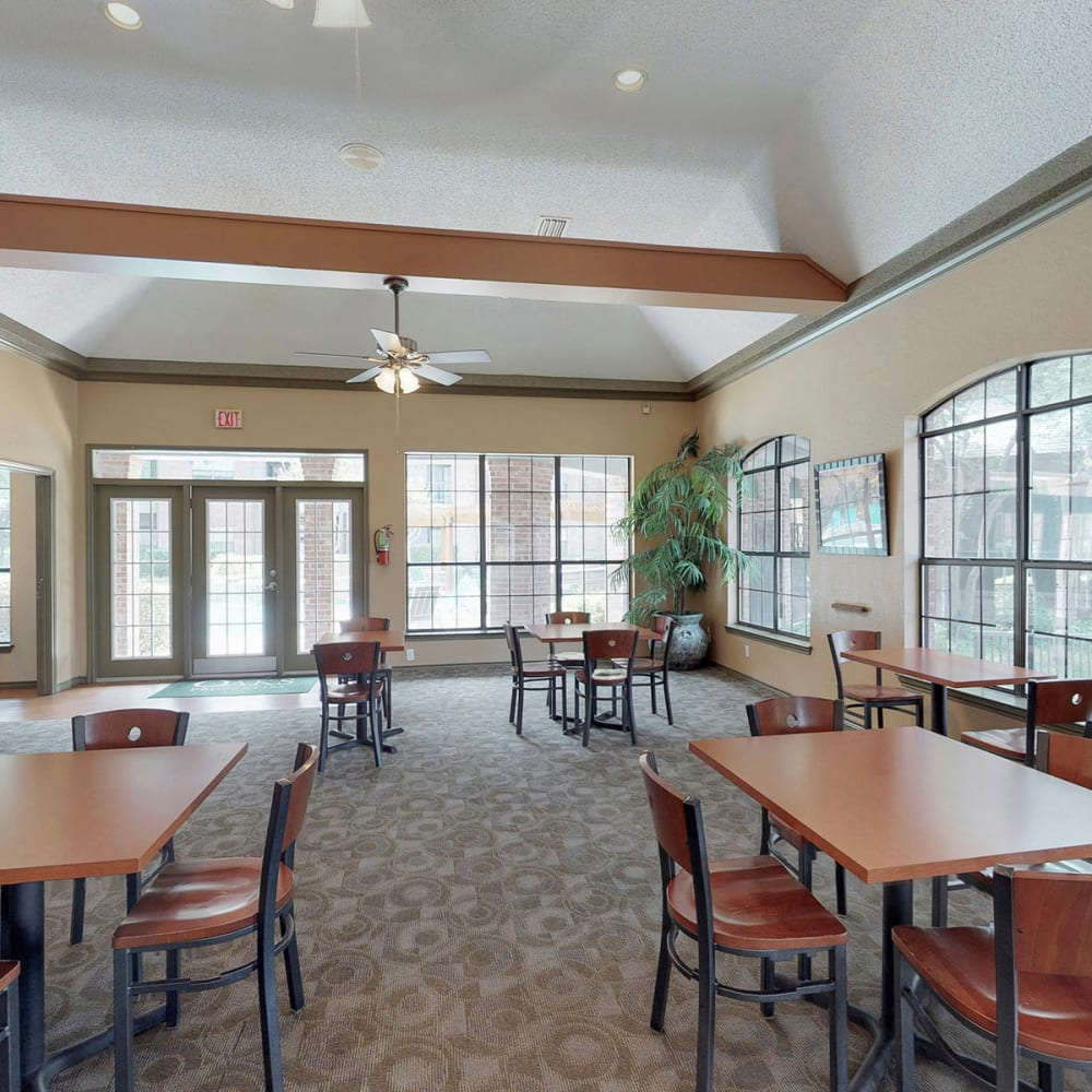 Bright and welcoming lobby interior at Oaks Hackberry Creek in Las Colinas, Texas