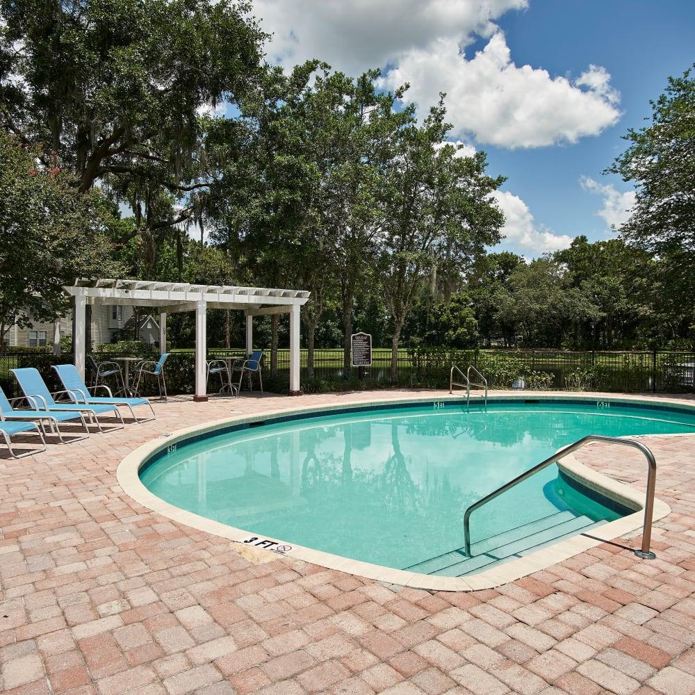 The swimming pool at Avenue @Creekbridge in Brandon, Florida