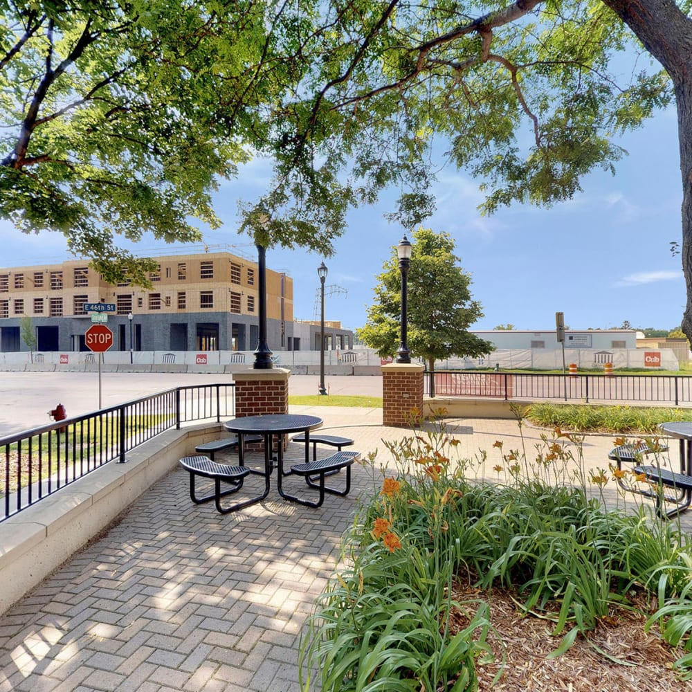 Courtyard with well-maintained landscaping at Oaks Hiawatha Station in Minneapolis, Minnesota