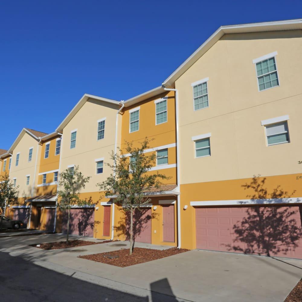 A contemporary exterior at Town Park Villas in Tampa, Florida
