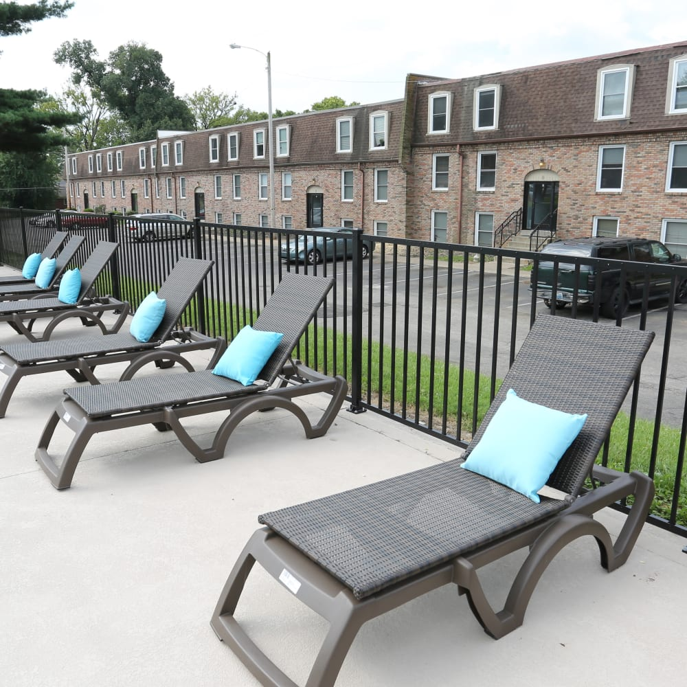 A sundeck with lounge chairs at Reserve at Lindsay in Louisville, Kentucky