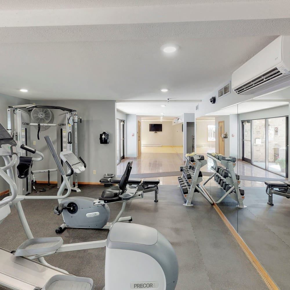 Well-equipped fitness center at Oaks Vernon in Edina, Minnesota