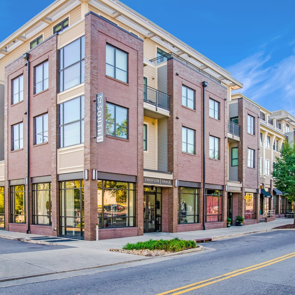 View the site for 12 South Apartments in Nashville, Tennessee