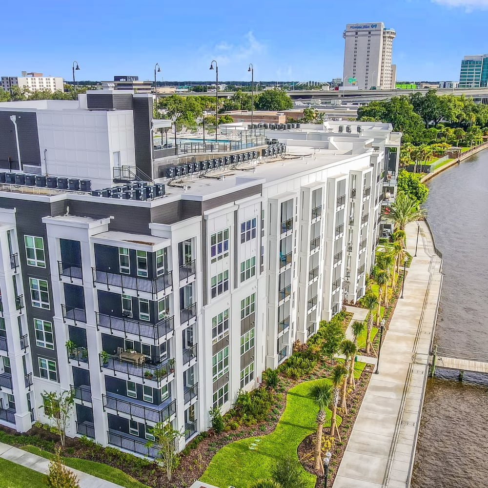 Riverside apartments in Atlantic Beach, Florida