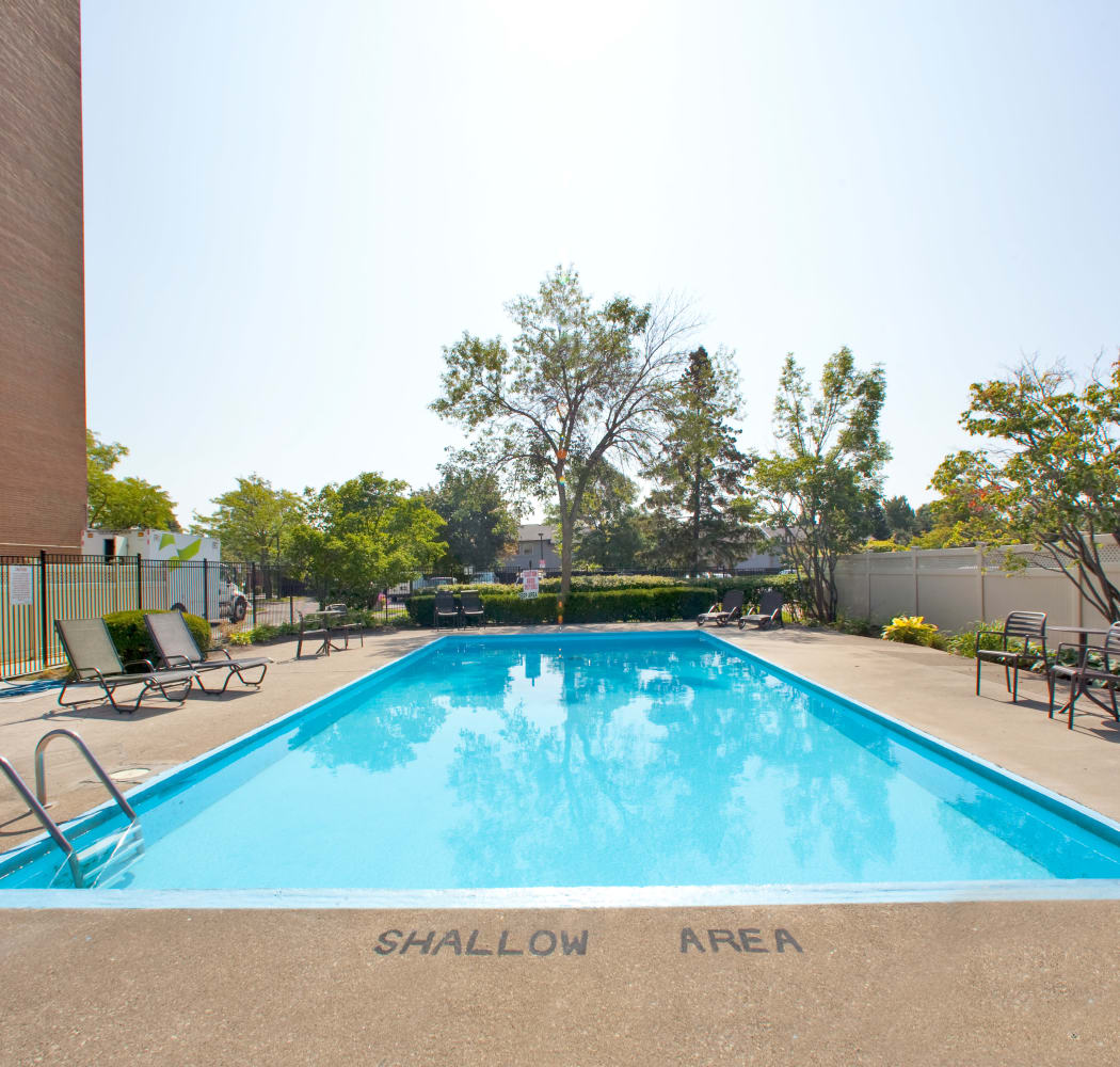 Swimming pool at Bristol Court in Mississauga