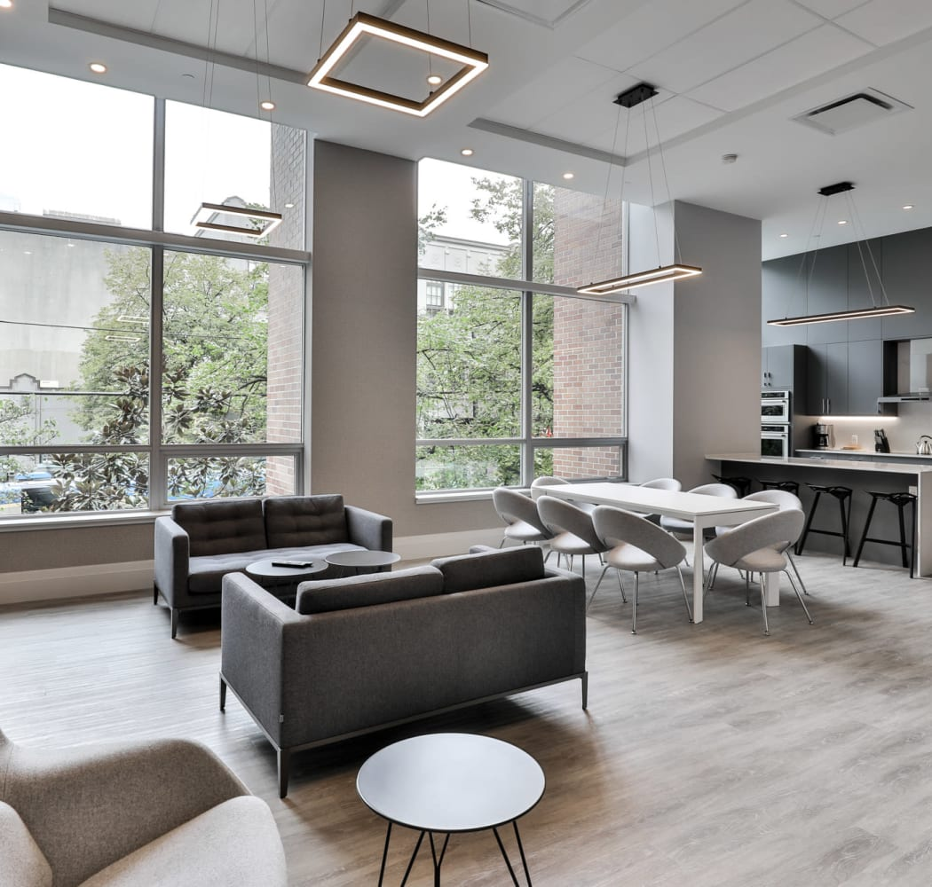 Social room at Metropolitan Towers in Vancouver, British Columbia