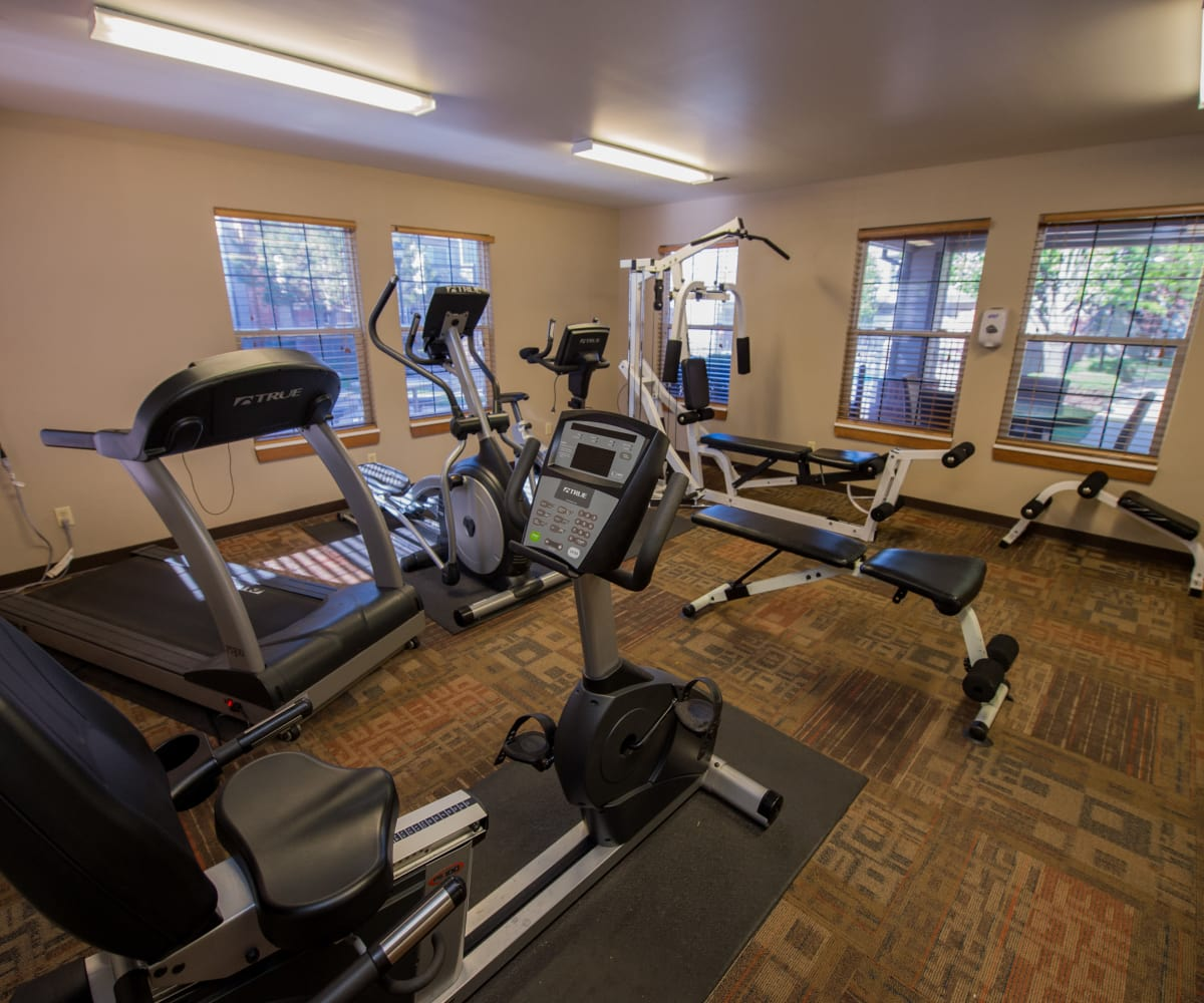 Private fitness center at Huntington Park Apartments in Wichita, Kansas