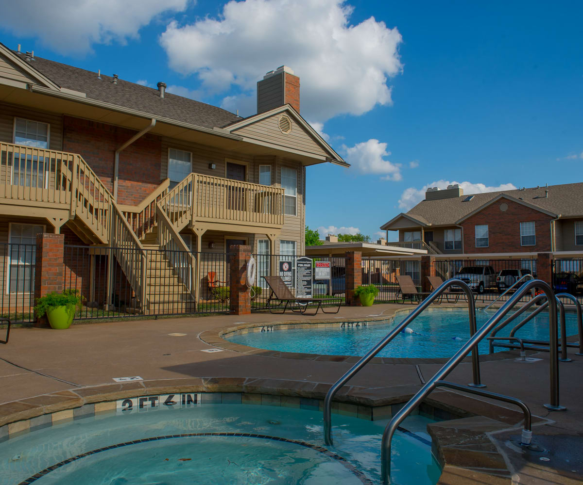 Swimming pool and hot tub at Persimmon Square Apartments in Oklahoma City, Oklahoma