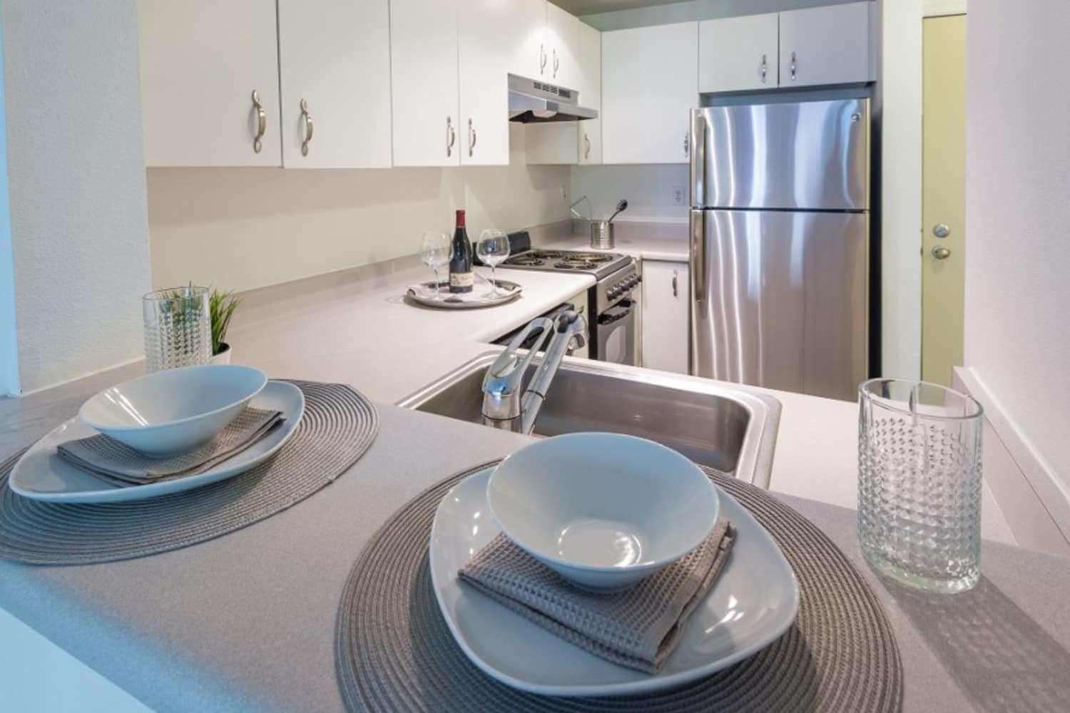 Apartment kitchen at Metropolitan Park Apartments in Seattle, Washington