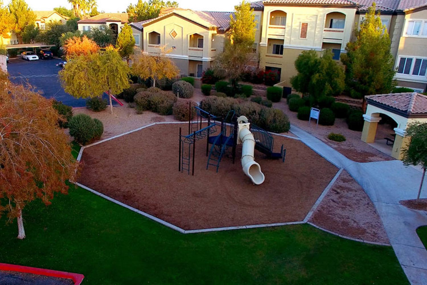 2150 Arizona Ave South in Chandler, Arizona, offers a playground