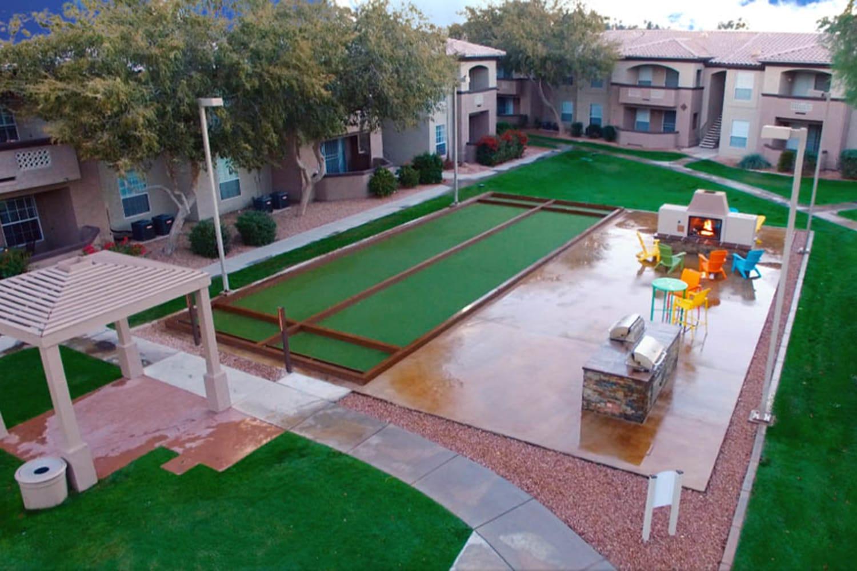 Ocotillo Bay Apartments in Chandler, Arizona, offer an outdoor recreational area