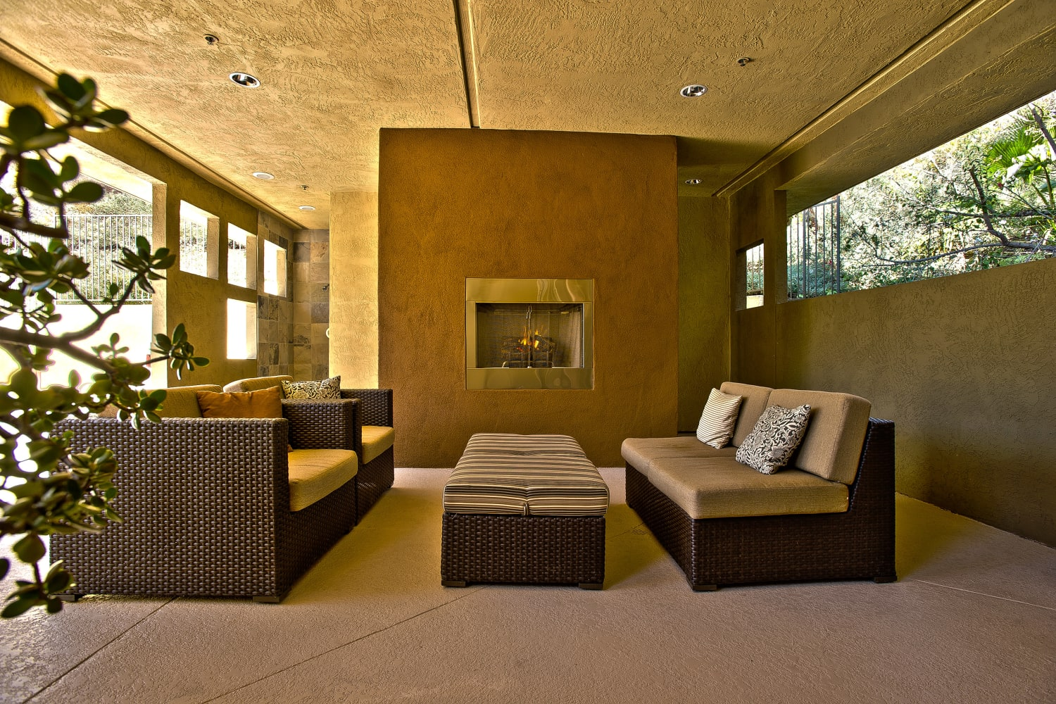 Enjoy a covered patio at Fashion Terrace in San Diego, California
