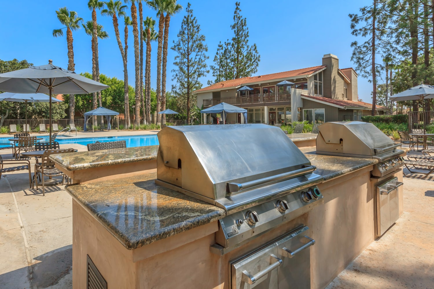 Barbecue at Parcwood Apartments in Corona, California