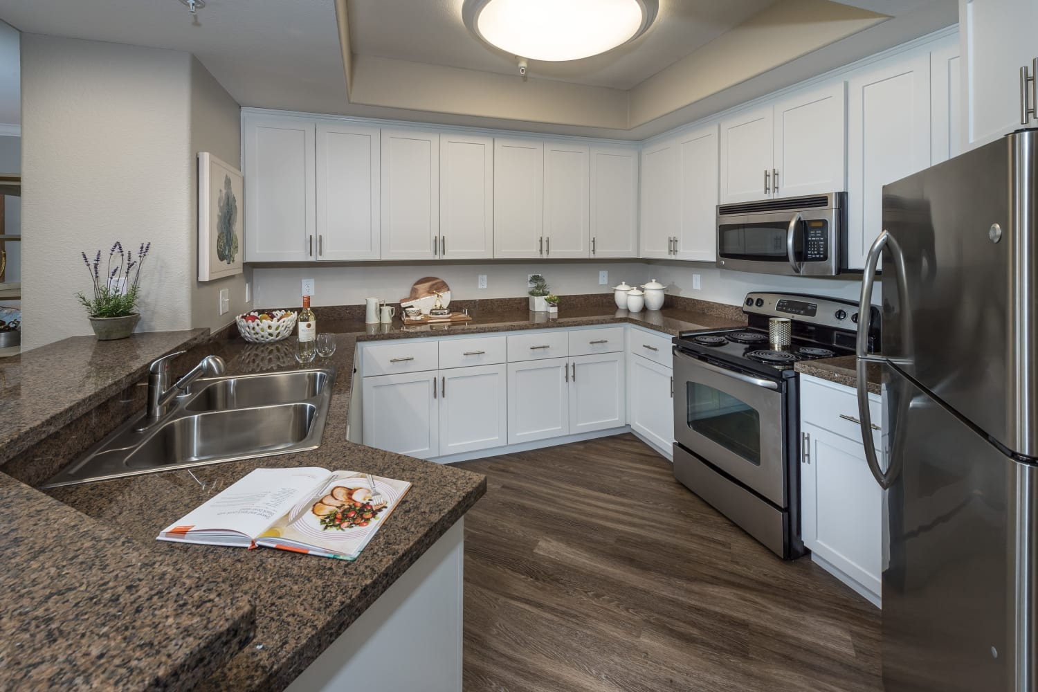 Enjoy large kitchens with ample counter space at The Carlyle in Santa Clara, California