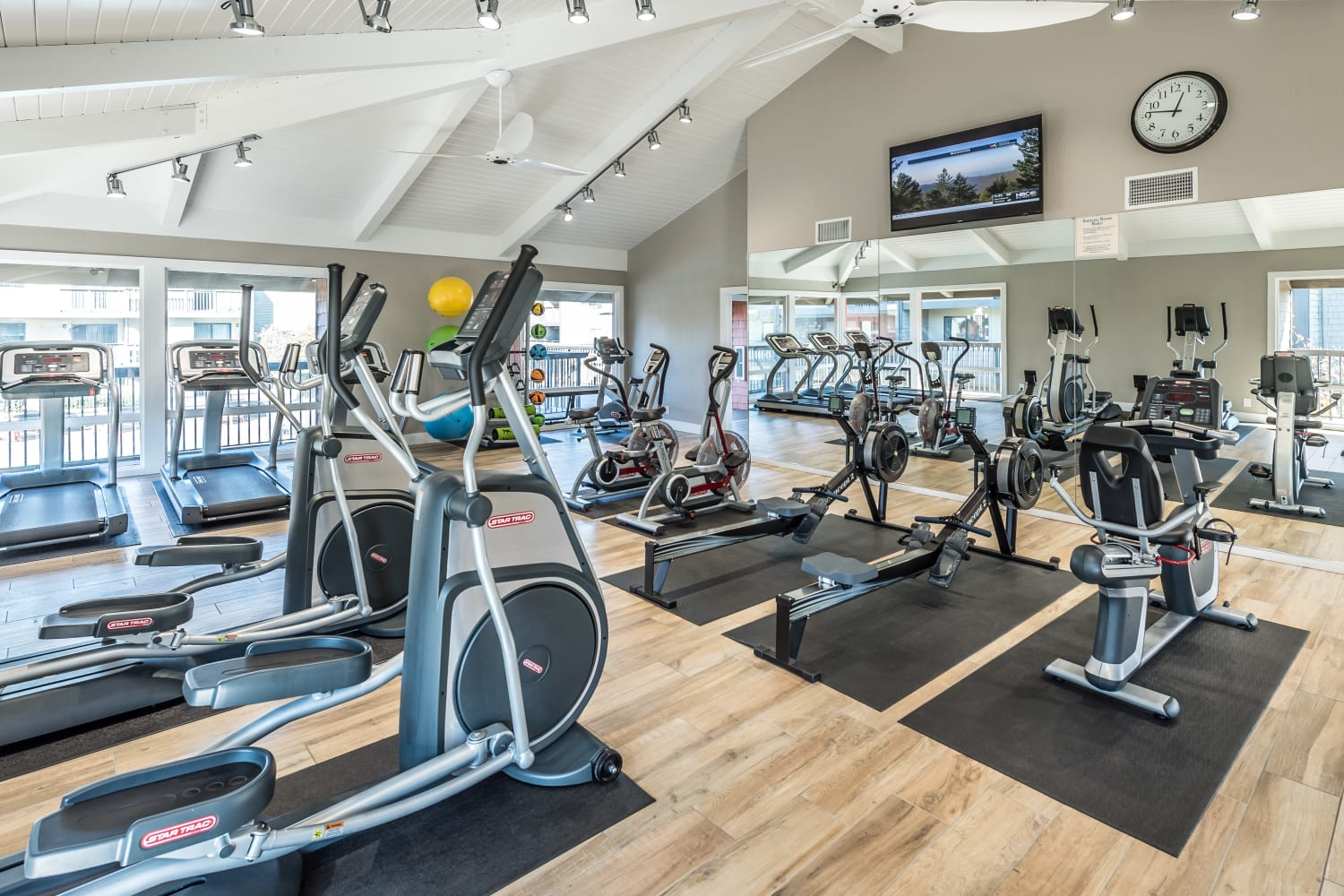 Fitness center at Harbor Cove Apartments in Foster City, California