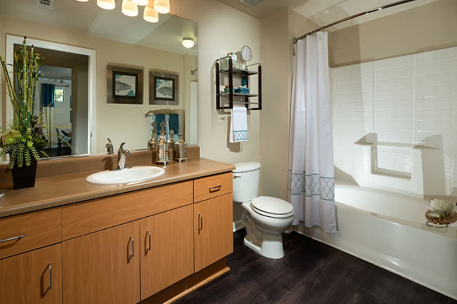 Bathrooms with ample counter space at Links at Westridge in Valencia, California