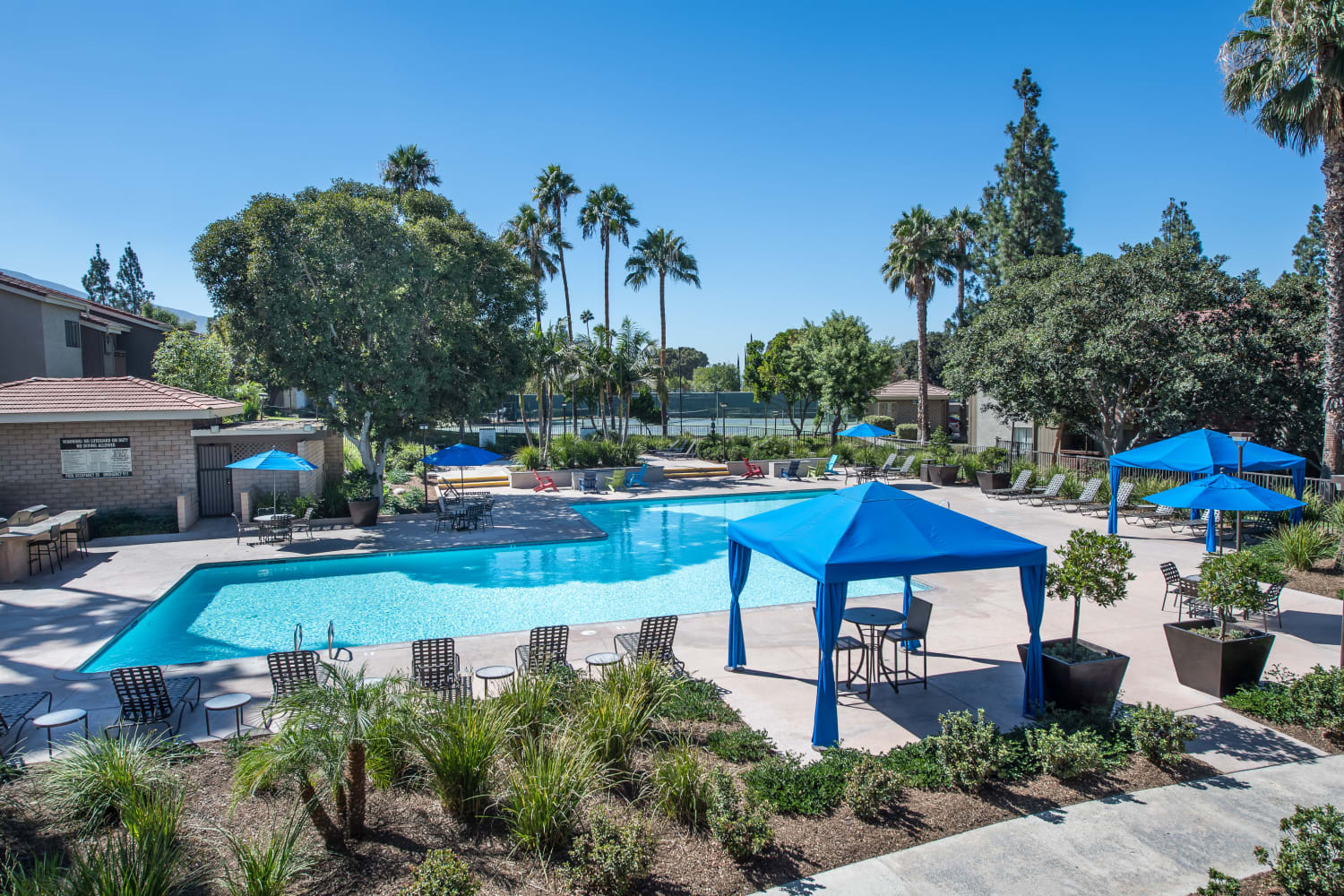 Swimming pool at Parcwood Apartments in Corona, California