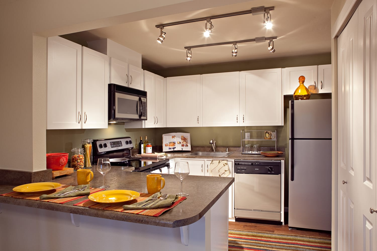 Open kitchen at Edgewood Park Apartments in Bellevue, Washington
