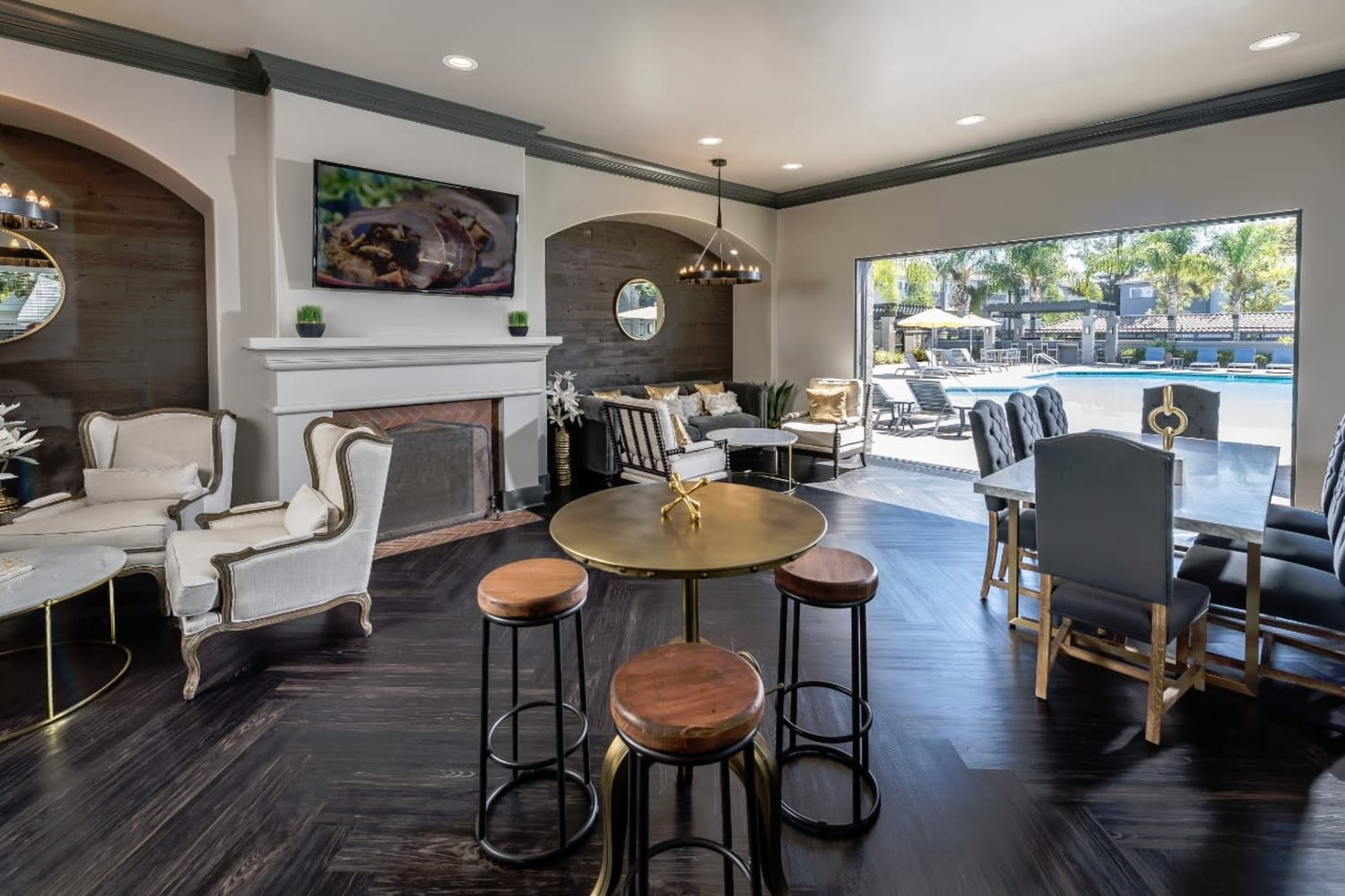 Madrid Apartments in Mission Viejo, California, offer a trendy clubhouse