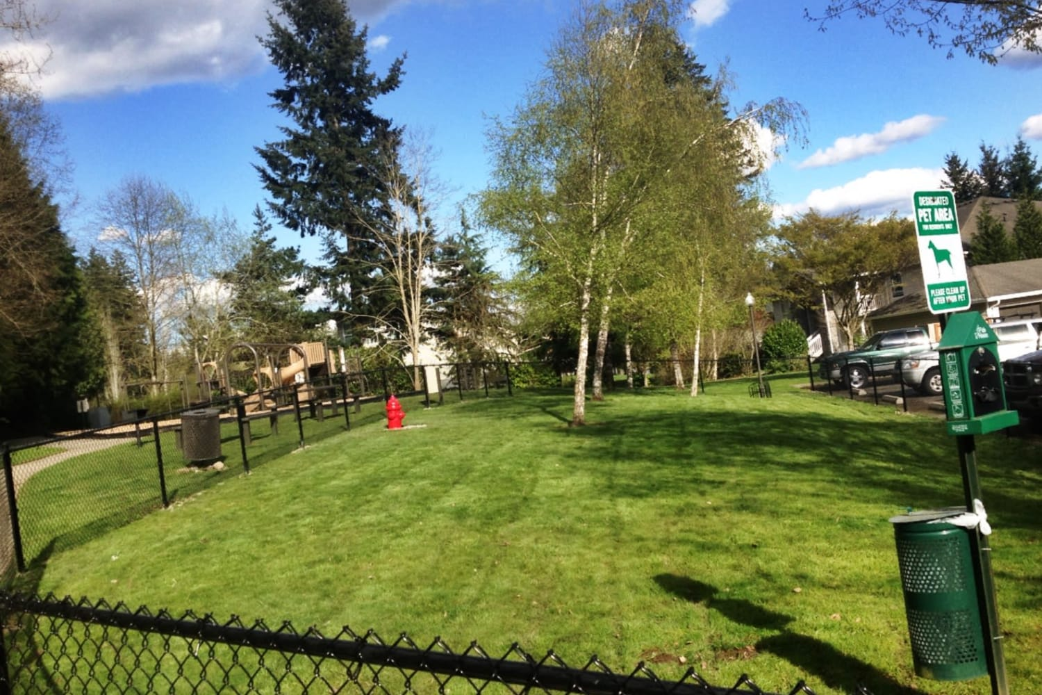 Onsite dog park at The Knolls at Inglewood Hill in Sammamish, Washington