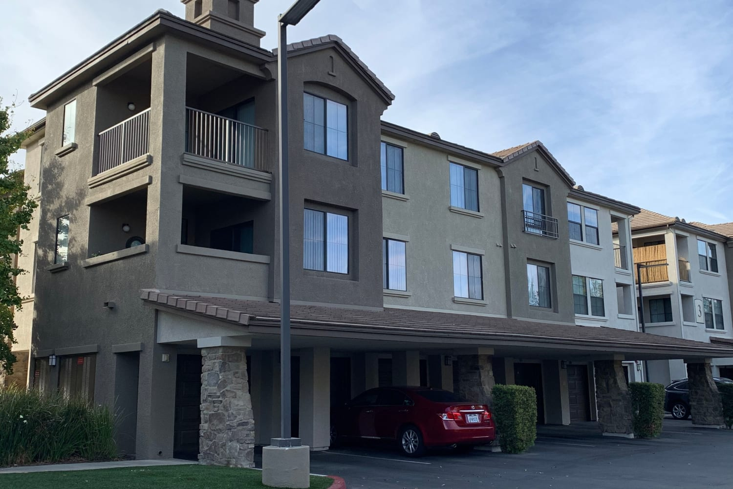 Apartment exterior at Links at Westridge in Valencia, California