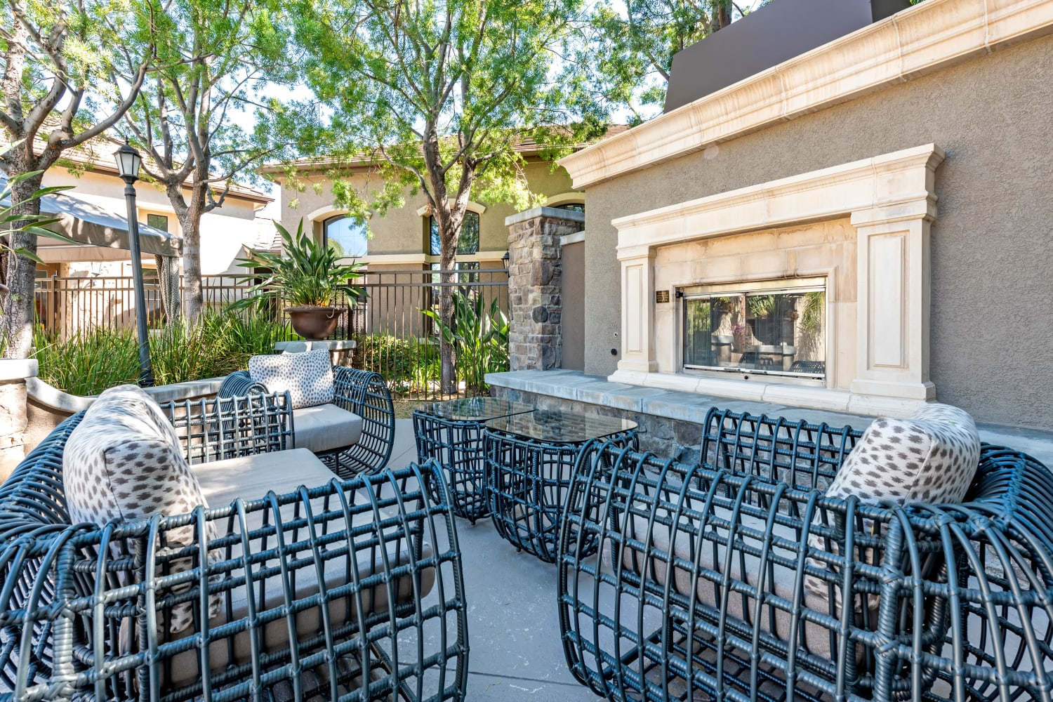 Outdoor seating available at Links at Westridge in Valencia, California