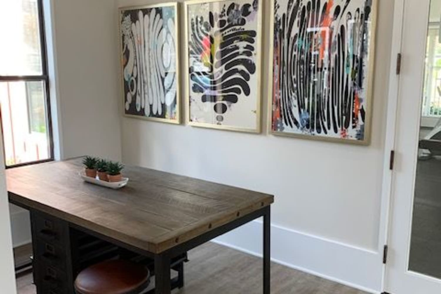 Modern dining area at Cotton Wood Apartments in Dublin, California