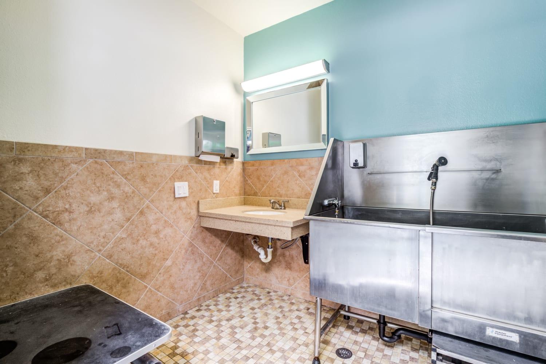 Dog wash center at Campbell Run Apartments in Woodinville, Washington