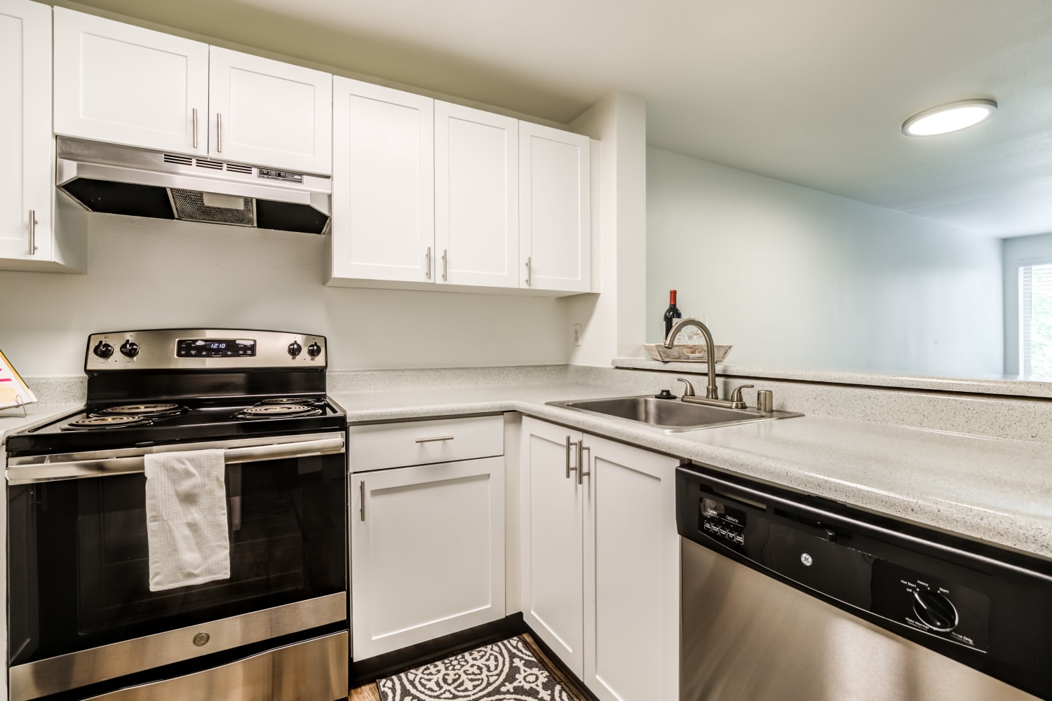 Kitchen with modern amenities at Metropolitan Park Apartments in Seattle, Washington