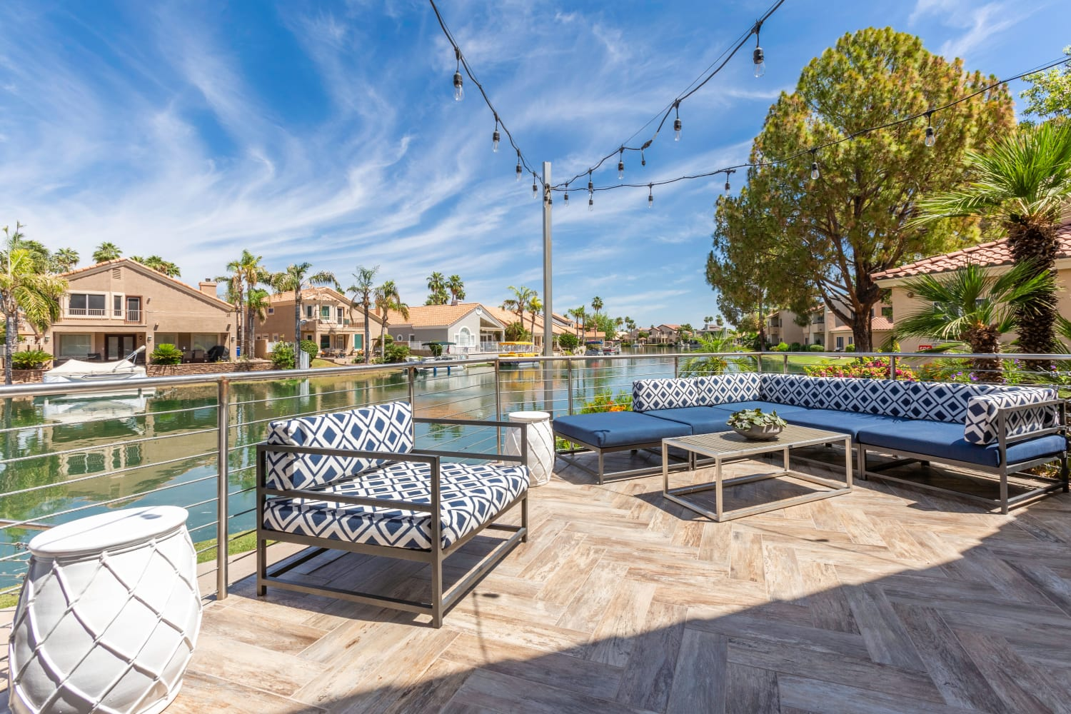 Outdoor seating at Alcove at the Islands in Gilbert, Arizona