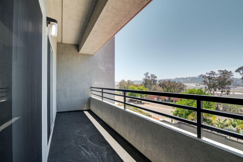 Model balcony at Fashion Terrace in San Diego, CA