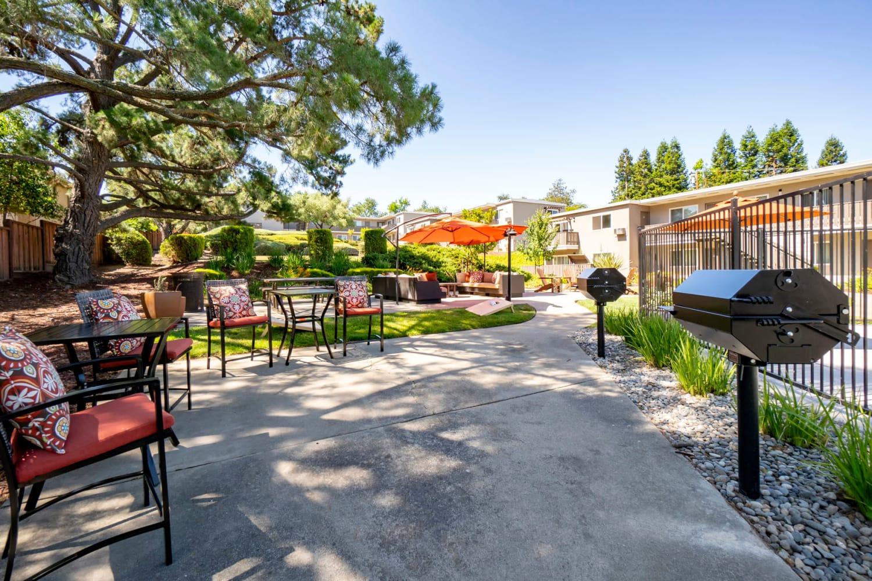 Beautifully designed barbecue lounge area at Pleasanton Heights in Pleasanton, California